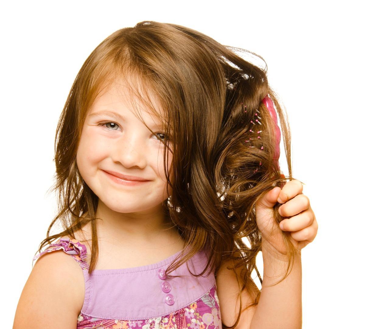 У девочки густые волосы