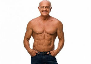 пожилой мужчина за 60 лет в отличной форме