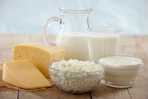 сыр, творог, молоко - натуральный витамины для костей