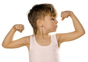 ребенок спортсмен-гимнаст